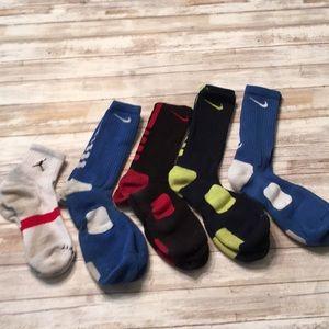 DY26 Nike elite socks